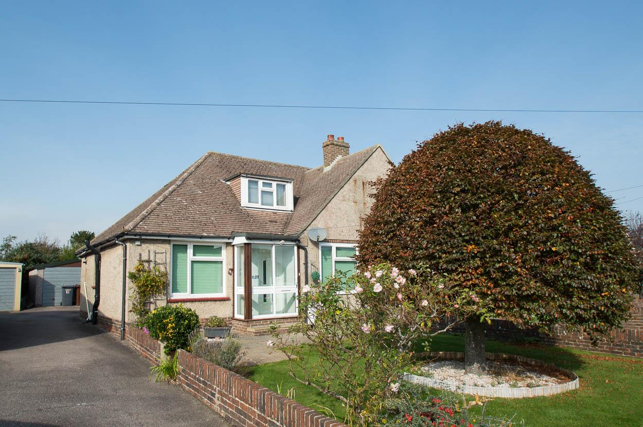 2 Bedrooms Semi Detached Bungalow for sale in St. Annes Road, Willingdon, Eastbourne
